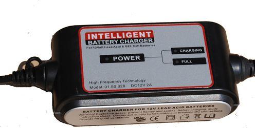 Akkumulátor töltő 12V-on működő akkumulátorokhoz 4-120AH között